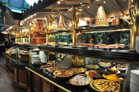Les Grands Buffets 10