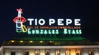 Después de 3 años, el luminoso de Tío Pepe vuelve a brillar en el sitio que le corresponde