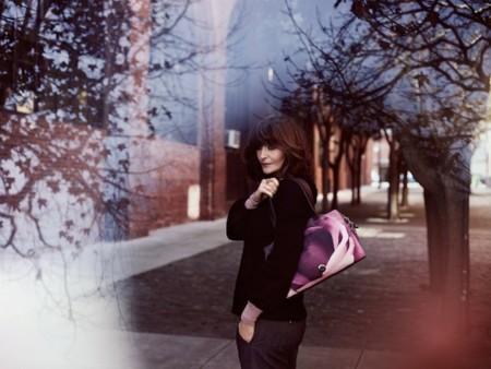 La modelo Helena Christensen diseña una colección de bolsos para Kipling