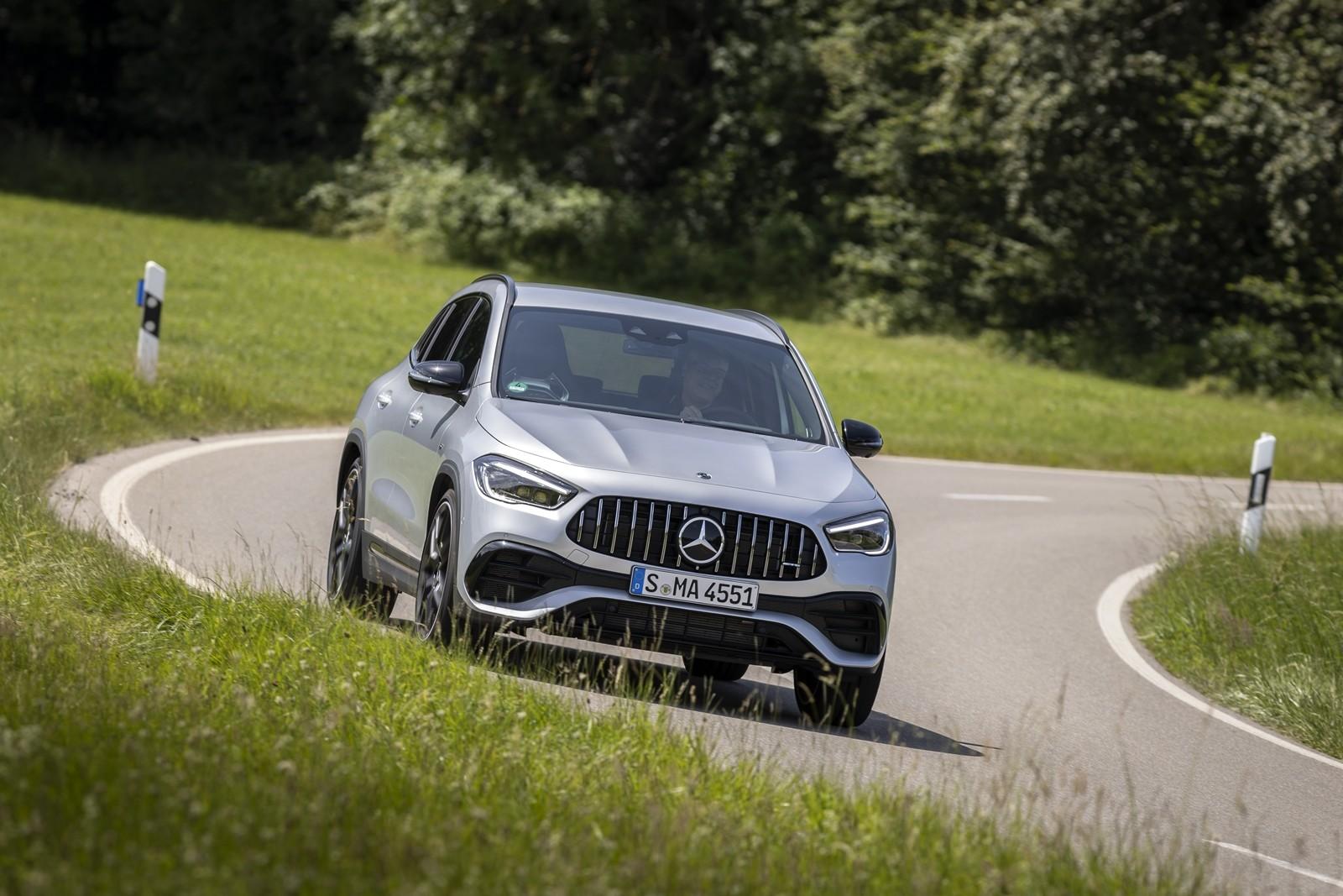 Foto de Mercedes-AMG GLA 45 S 2020 (18/28)