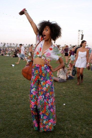 Flores Coachella streetstyle