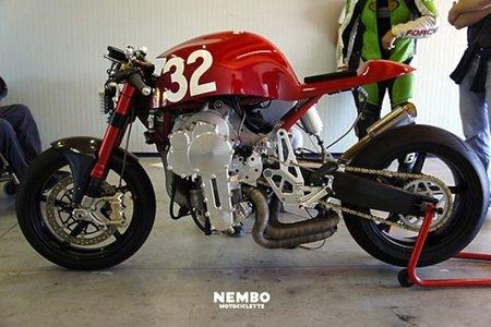Nembo Motociclette con motor invertido tricilíndrico