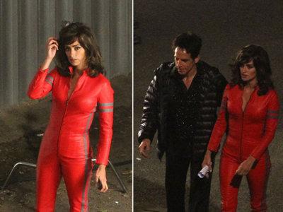 Penélope Cruz de cuero rojo en Zoolander 2, ¿o es un clon de Britney Spears y Diana de V?