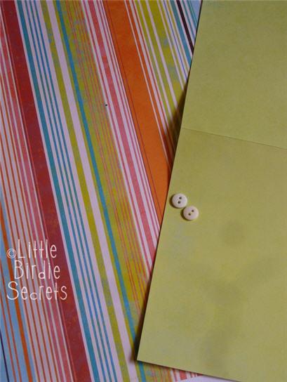 Materiales tarjeta corbata amarilla