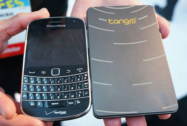 TangoPC es un equipo completo del tamaño de un smartphone