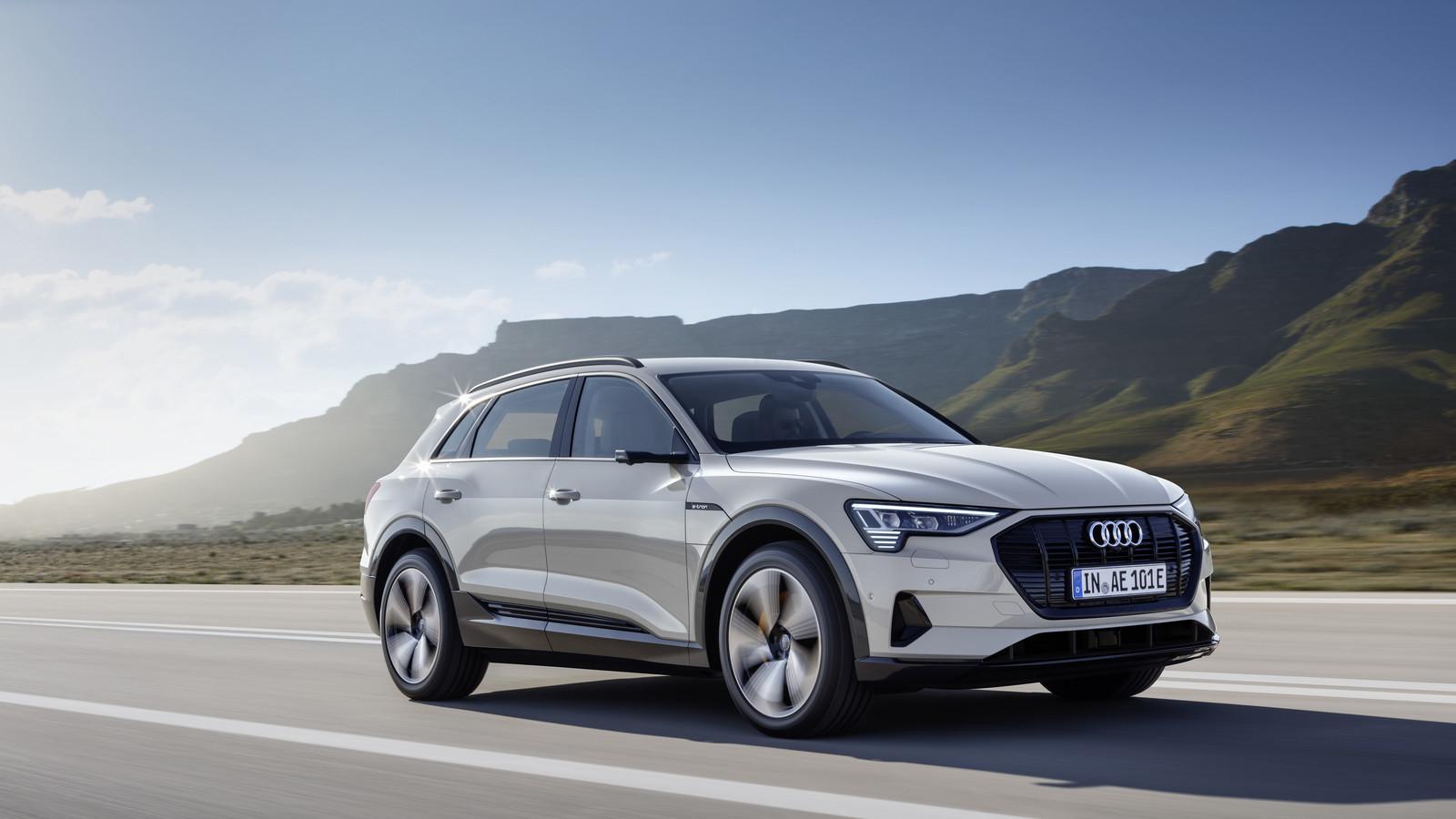 Foto de Audi e-tron (27/37)