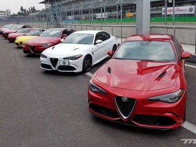 Nos pusimos al volante de toda la gama de Alfa Romeo en la pista del Hermanos Rodríguez