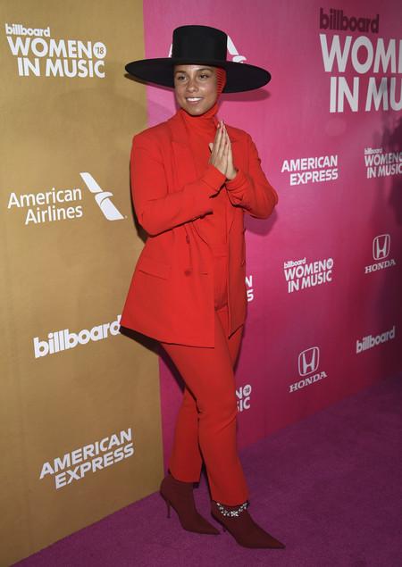 Alicia Keys red carpet billboard