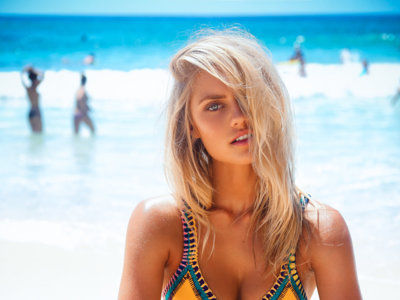 Clonados y pillados: ¡di hola al verano con Tezenis! La marca se suma a la fiebre por el bikini Kiini