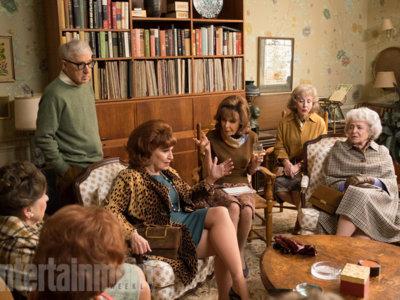 """Edición USA: Fotos de la serie de Woody Allen, literatura """"procedimentalizada"""", fichajes de Poniente y más"""