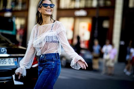 Las blusas plumeti son las más románticas y también las que mejor quedan con cualquier look de street-style de día y de noche