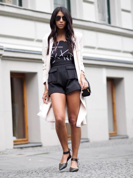 El negro también es para el verano, inspírate en estos 11 looks