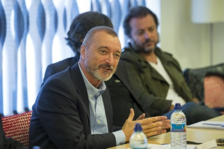 Artuo Perez Reverte Presentacion Oro Madrid