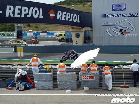 paddock-motogp-jerez-2011-17.jpg