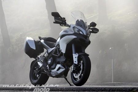 Motorpasión a dos ruedas: prueba Ducati MTS 1200S Touring, Honda NSS300 y el hito María Herrera en el CEV