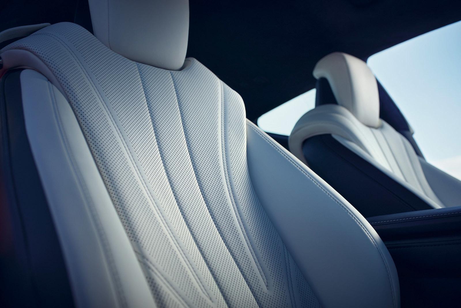 Foto de Lexus LC 500h (36/49)