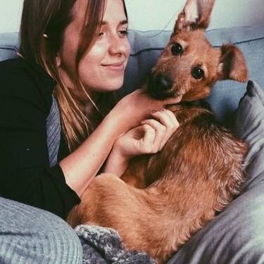 Ana Jara se ha pasado Instagram con una sudadera personalizada que solo los amantes de los perros entenderán