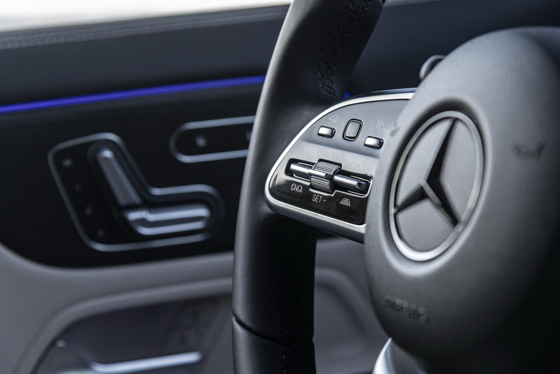 Foto de Mercedes-Benz GLA 2021 (94/103)
