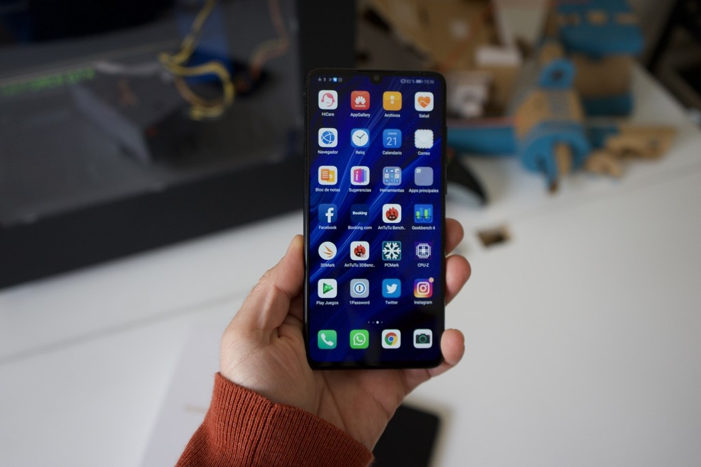 The beta version of EMUI 10 will arrive in September, first to Huawei P30 and P30 Pro and then to the rest of the high-end