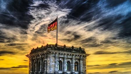 El gobierno alemán quiere salvar de la muerte a los coches diésel, y lo intentará con una pegatina azul