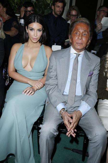 Kim Kardashian acapara todos los flashes en el desfile de Valentino Alta Costura