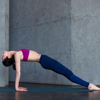 Cómo colocar las manos para evitar el dolor de muñecas al practicar Yoga