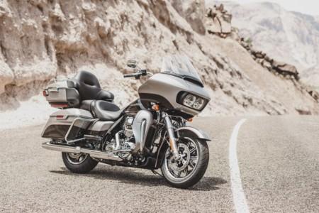 Harley Davidson Road Glide Ultra 2016 01