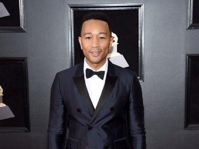 John Legend es elegancia pura vistiendo de Burberry para los premios Grammy