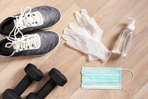 Cómo se entrena en los gimnasios en las fases 1 y 2 de la desescalada: desinfección y seguridad para la nueva normalidad