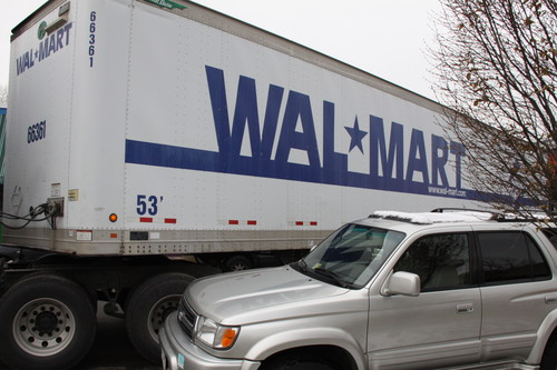Walmart escribe el futuro del trabajo: automatización y subcontratación a autónomos