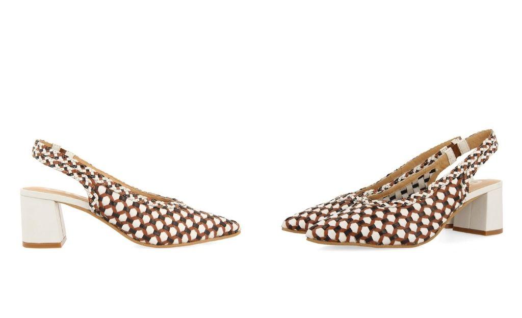Zapatos de salón de mujer Gioseppo destalonados en color blanco