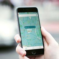 El Parking: la app que te ayuda a buscar aparcamiento, pagar la zona azul o alquilar tu plaza de garaje
