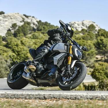 Probamos la Ducati Diavel 1260: toda una muscle bike de 159 CV con un comportamiento dinámico sorprendente