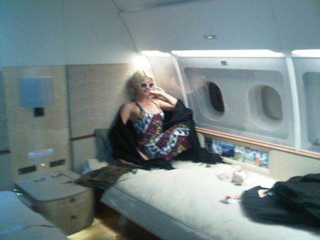Yo también quiero viajar como Paris Hilton