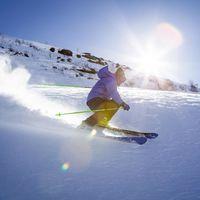Todo el equipamiento que necesitas para esquiar o practicar snowboard esta temporada