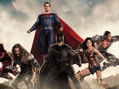 'Liga de la Justicia', tímidos brotes verdes en la juguetería fetichista de Zack Snyder
