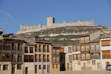 La plaza del Coso en Peñafiel, Valladolid. Tradición y belleza para una escapada