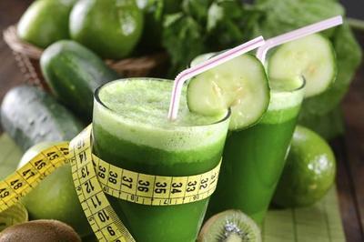 Los alimentos con más agua y menos calorías para cuidar la línea este verano