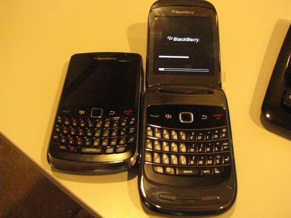 Foto de BlackBerry 9670 y Atlas, nuevas imágenes filtradas (3/4)