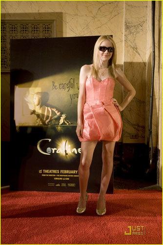 Dakota Fanning en la premiere de Coraline