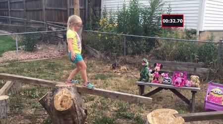 Un padre crea para su hija un increíble circuito Ninja en su patio