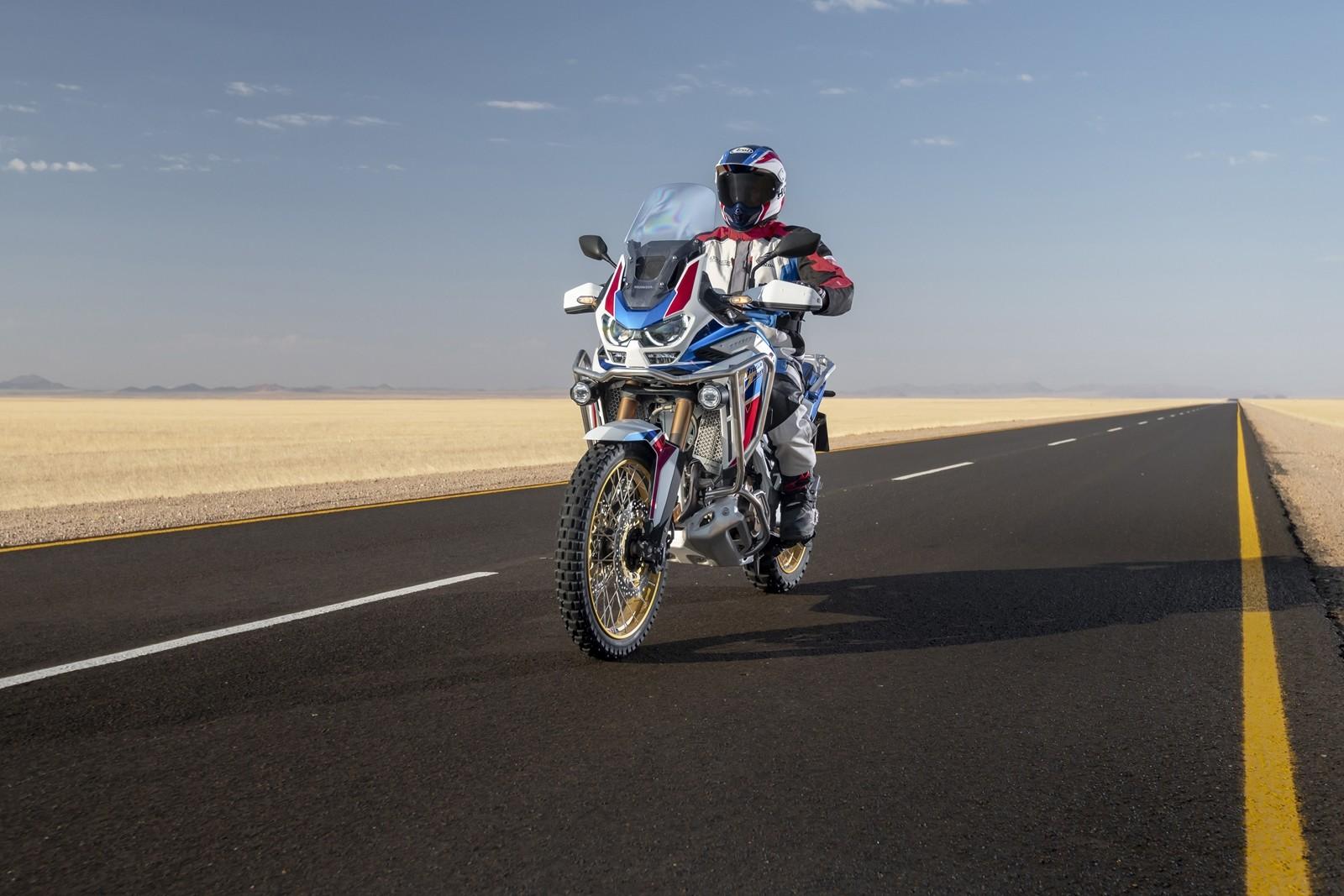 Foto de Honda CRF1100L Africa Twin Adventure Sports 2020 (30/32)