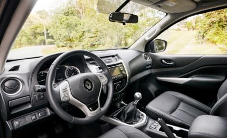 Renault Alaskan 2016 001