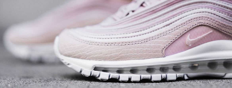 mapa Elevado Guiño  Nike lanza una colección recién sacada de los sueños millennial: deportivas  sí, pero encima rosas