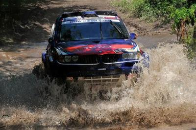 Stephane Peterhansel gana en la primera criba del Dakar