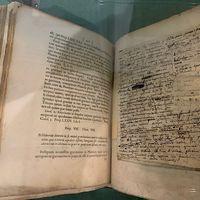 Se descubre un manuscrito raro de Isaac Newton en una biblioteca corsa