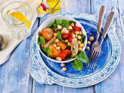 Nadie se come un cocido en verano, pero estas recetas con legumbre son mucho más fresquitas