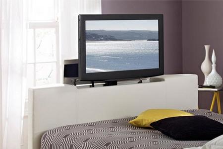 Ventajas e inconvenientes de una cama con televisor incorporado