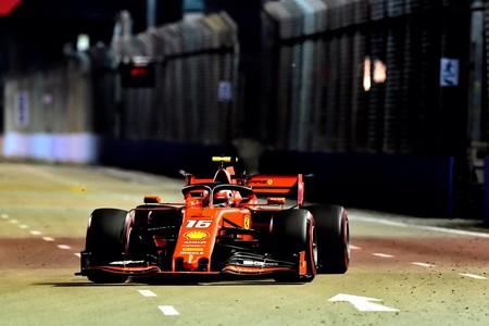 Ferrari sorprende en Singapur y Charles Leclerc consigue su tercera pole position consecutiva