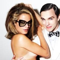 tom-ford-sigue-desnudando-a-sus-modelos-para-su-linea-de-gafas